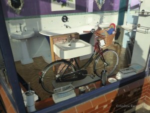ARH20141101-1551-FT5-1 Bicycle sink in Overton Bathroom Shop (resized)