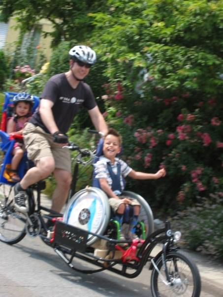 Cargobike Long Harry (2010) mit Rollstuhl - Adapter , Rollstuhl Transportrad