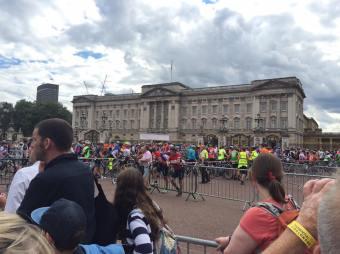 nothing better than seeing Buckingham Palace