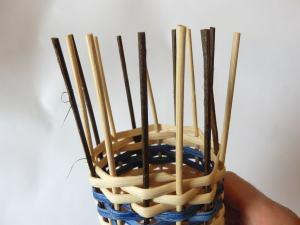 Step20 Stake auf gleiche Länge kürzen und weiter flechten