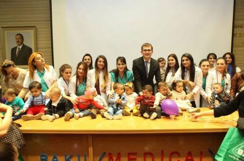 Международный день недоношенного ребенка в Baku Medical Plaza