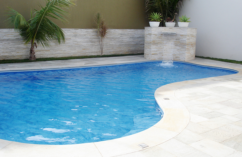 Pedra para piscina que não esquenta