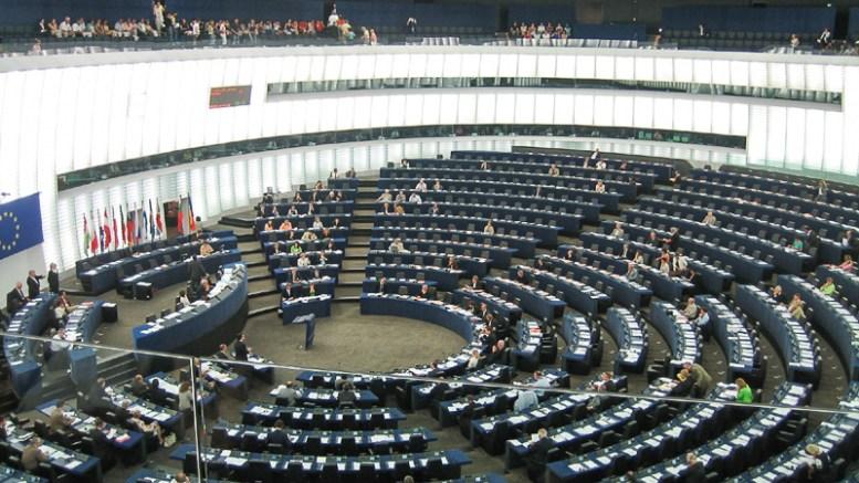 El flagelo que hunde a eurodiputados franceses - El flagelo que hunde a eurodiputados franceses