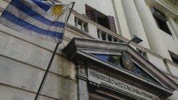 Se dispara déficit fiscal de Uruguay cunde - Se dispara déficit fiscal de Uruguay