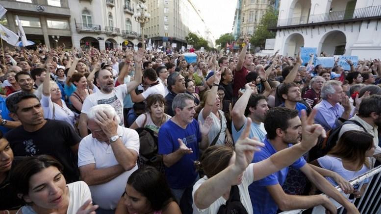 Trabajadores argentinos se preparan para lo peor - Trabajadores argentinos se preparan para lo peor