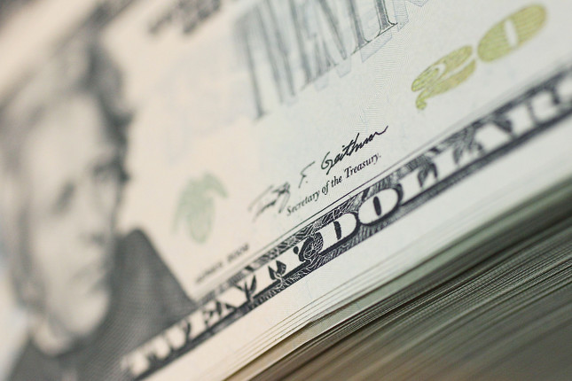 """Caos Bajos niveles de """"cash"""" alarman a los inversores estadounidenses - Bajos niveles de """"cash"""" alarman a los inversores estadounidenses"""