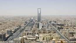 Arabia Saudí fuerza a la OPEP para alargar recortes en el 2018 - Arabia Saudí fuerza a la OPEP para alargar recortes en el 2018