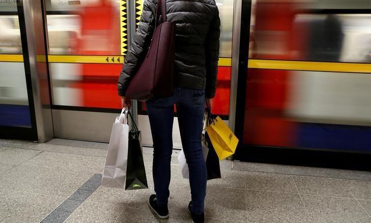 Se quebranta la confianza del consumidor británico - Se quebranta la confianza del consumidor británico