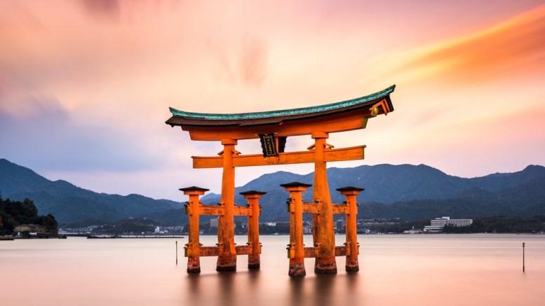 Empresas japonesas celebran ceremonias de bienvenida para nuevos empleados - Empresas japonesas celebran ceremonias de bienvenida para nuevos empleados