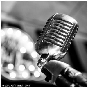 Microfono - The Rebel Boogie Trio