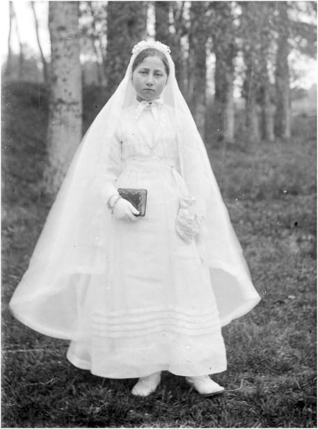 Placas de cristal de la marca A. lumiere & ses Fils. Fotografias tomadas en algun pueblo de Francia a principios del siglo XX.