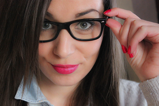 Comment se maquiller quand on porte des lunettes? [guest