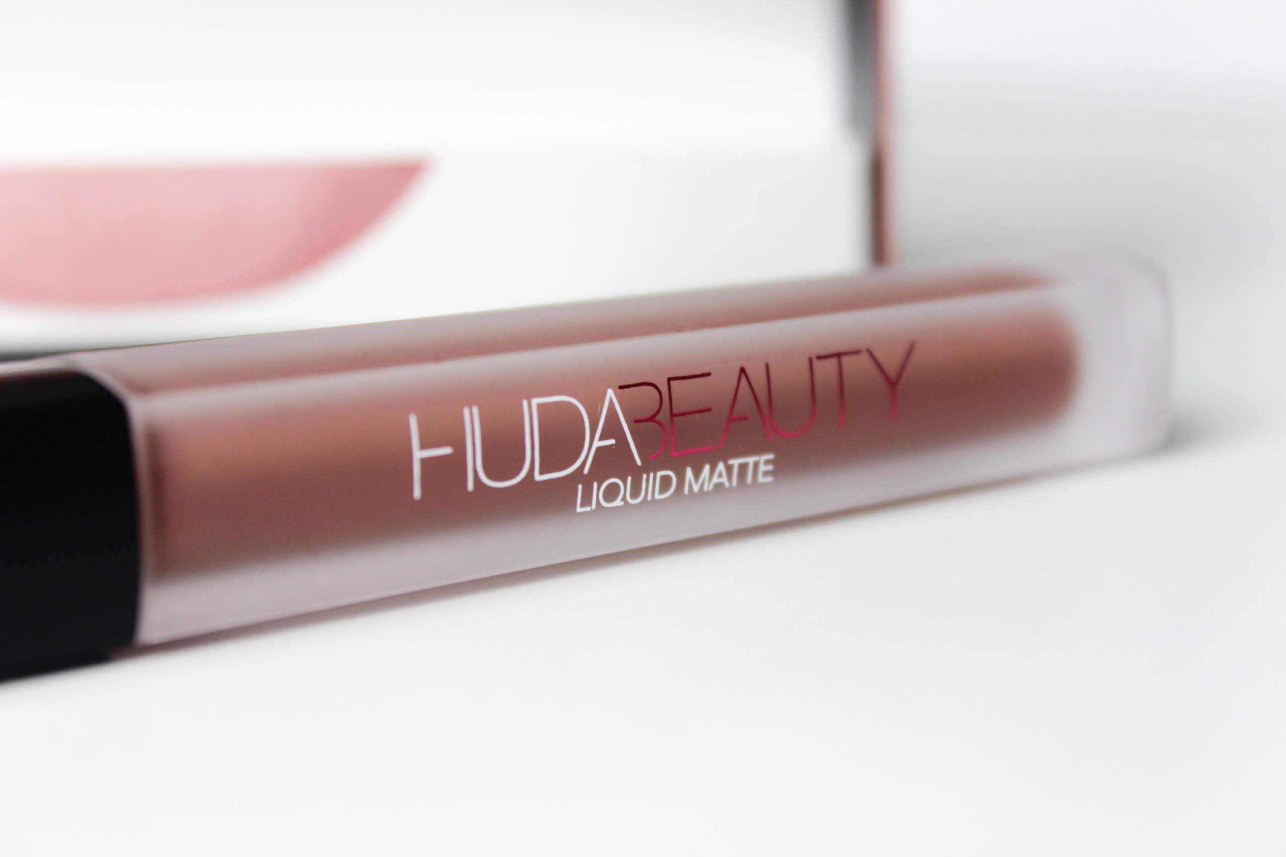 Huda Beauty_ Matte_Rouge à lèvres_liquide_17