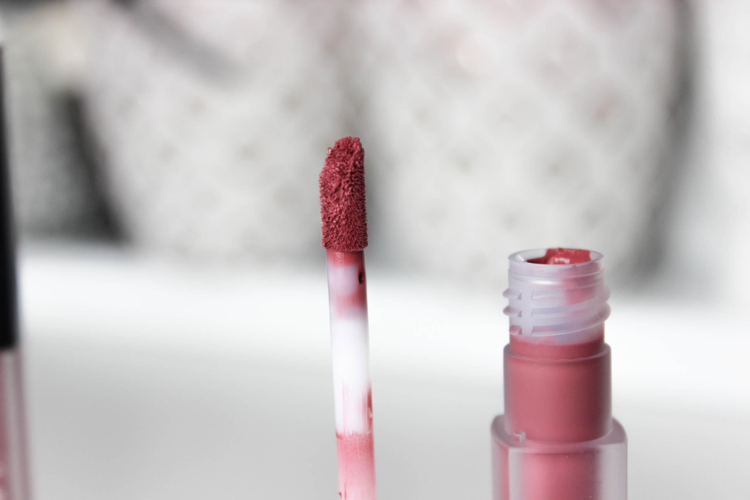 Huda Beauty_ Matte_Rouge à lèvres_liquide_22