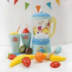 Le Toy Van Wooden Fruit & Smoothie Blender Toy Set