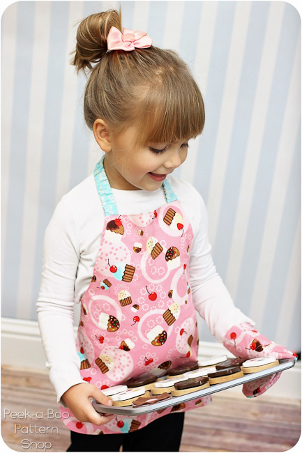 FREE Toddler Apron Pattern  Toddler Oven Mitt Pattern