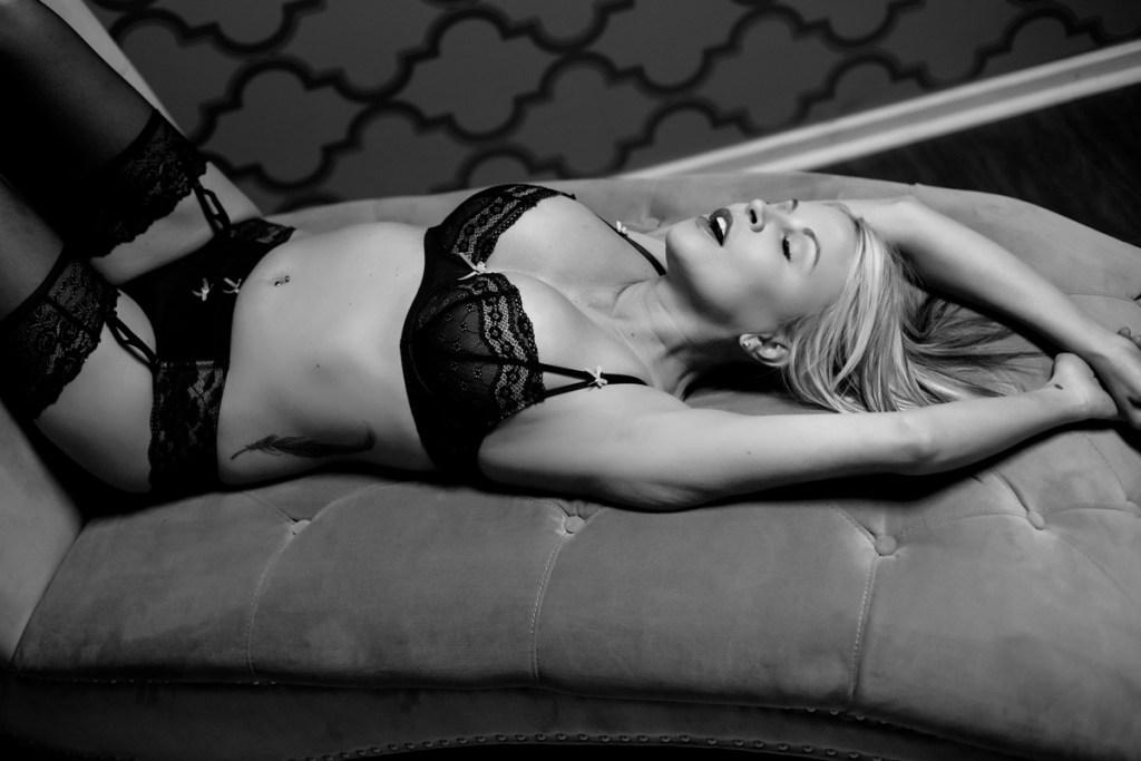 portland-oregon-boudoir-sexy-photos-007