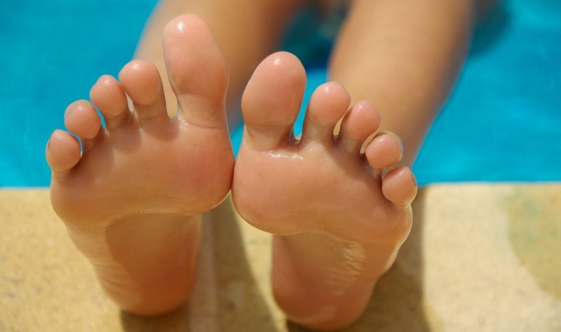 5 Most Effective Foot Baths to Get Rid of Smelly Feet
