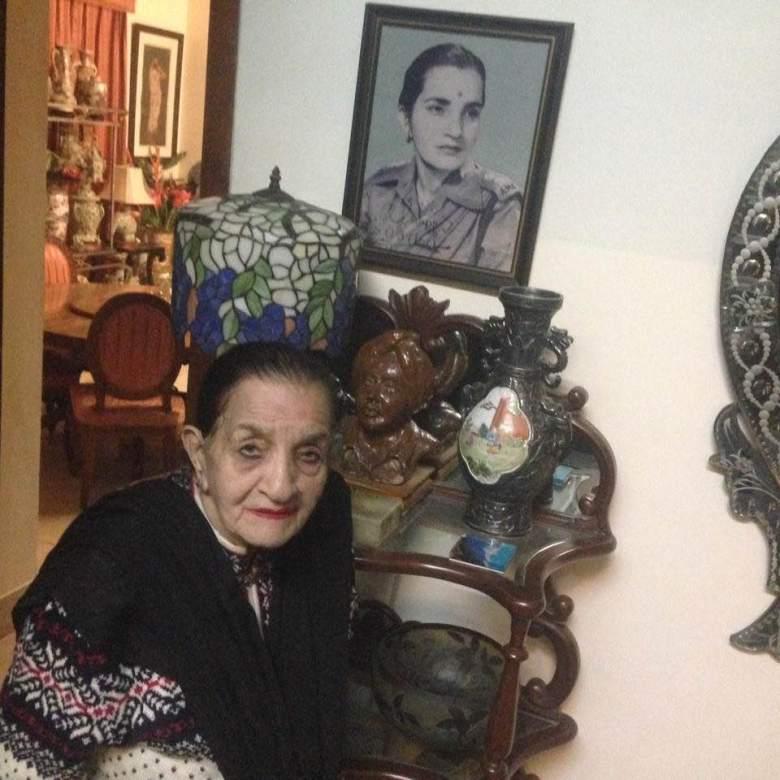 aunty dhanoa