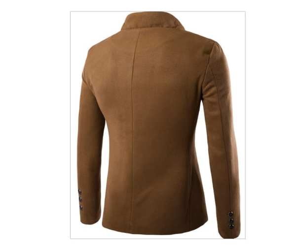 Men's jacket with buttoned collar