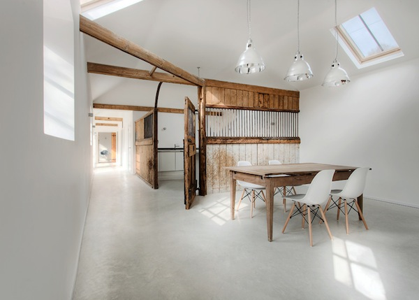 Horse stable transformed by AR Design Studio