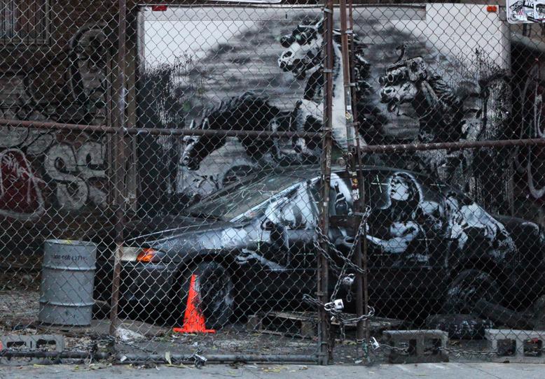www.pegasebuzz.com | Banksy goes Equestrian
