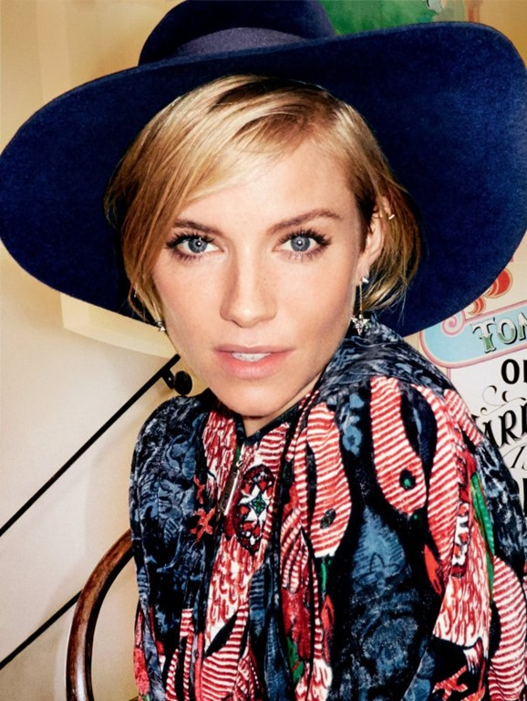 www.pegasebuzz.com | Sienna Miller by Mario Testino for Vogue US, january 2015