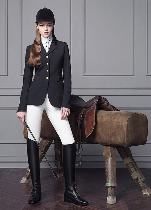 www.pegasebuzz.com | Equestrian Fashion : Michael and Kenzie 1911
