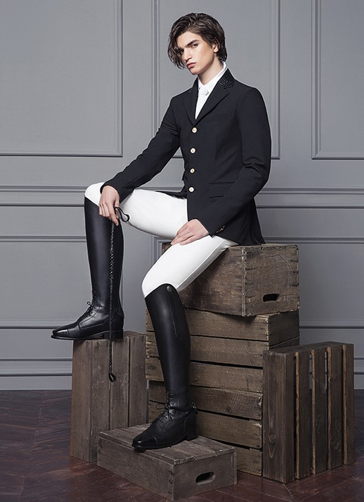 www.pegasebuzz.com | Equestrian Fashion : Michael and Kenzie 1911