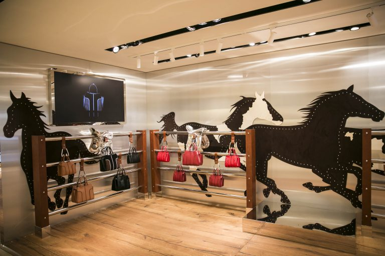"www.pegasebuzz.com | Pop-up Store ""Sella"" by Tod's."