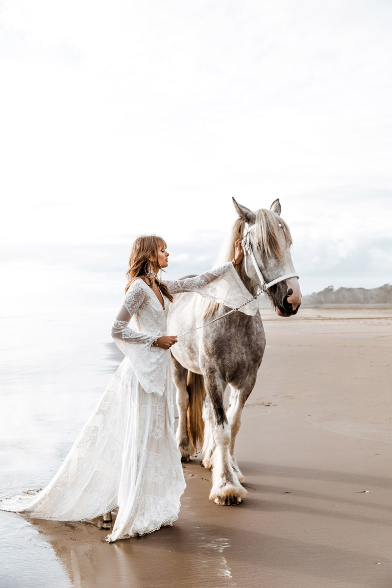 www.pegasebuzz.com   Evelyn Rose by Fashion wedding blog Truly and Madly 2018.