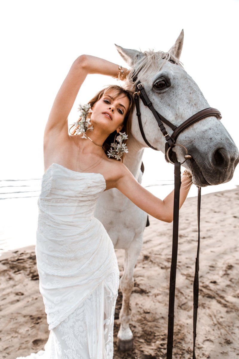 www.pegasebuzz.com | Evelyn Rose by Fashion wedding blog Truly and Madly 2018.