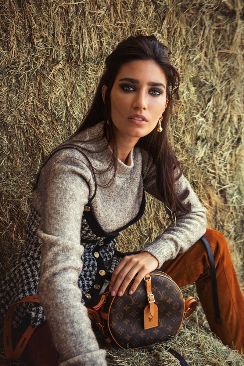 www.pegasebuzz.com | Ausra Osipaviciute for Villa 88 Magazine.