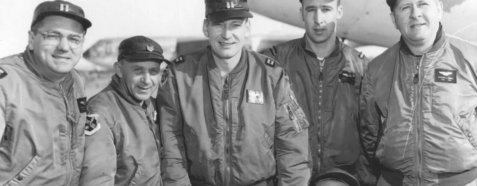 HISTORY of Alphaindustries MA1 Flightjacket Bomberjacke