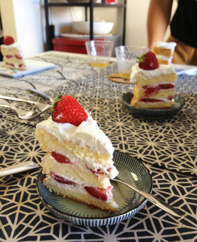 草莓鮮奶油蛋糕, strawberry shortcake (戚風蛋糕版, chiffon version) – Peggy's Kitchen