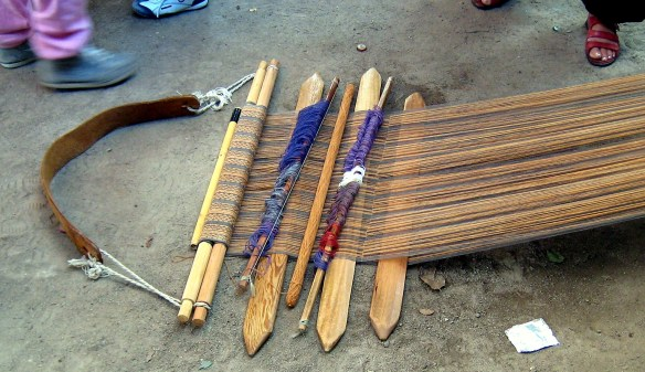 Repeated sticks required to weave the pattern