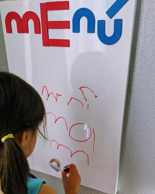 Practicando letras mientras jugamos a los Restaurantes