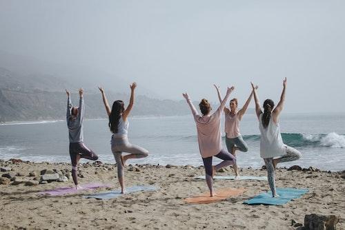 Yoga con amigas