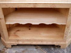 The single lower shelf in position.