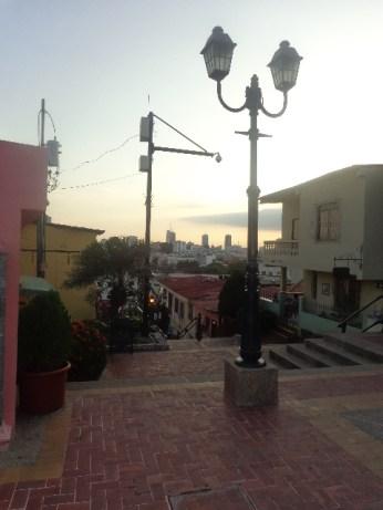 Santa Ana é charmosa pelas construções e o bairro mais antigo de Guayaquil!