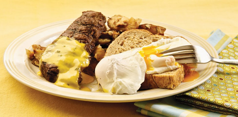 Bison Steak, Eggs and Garlic Smashed Potatoes - by Chef Beth McWilliam,Fresh café