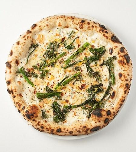 Broccolini pizza