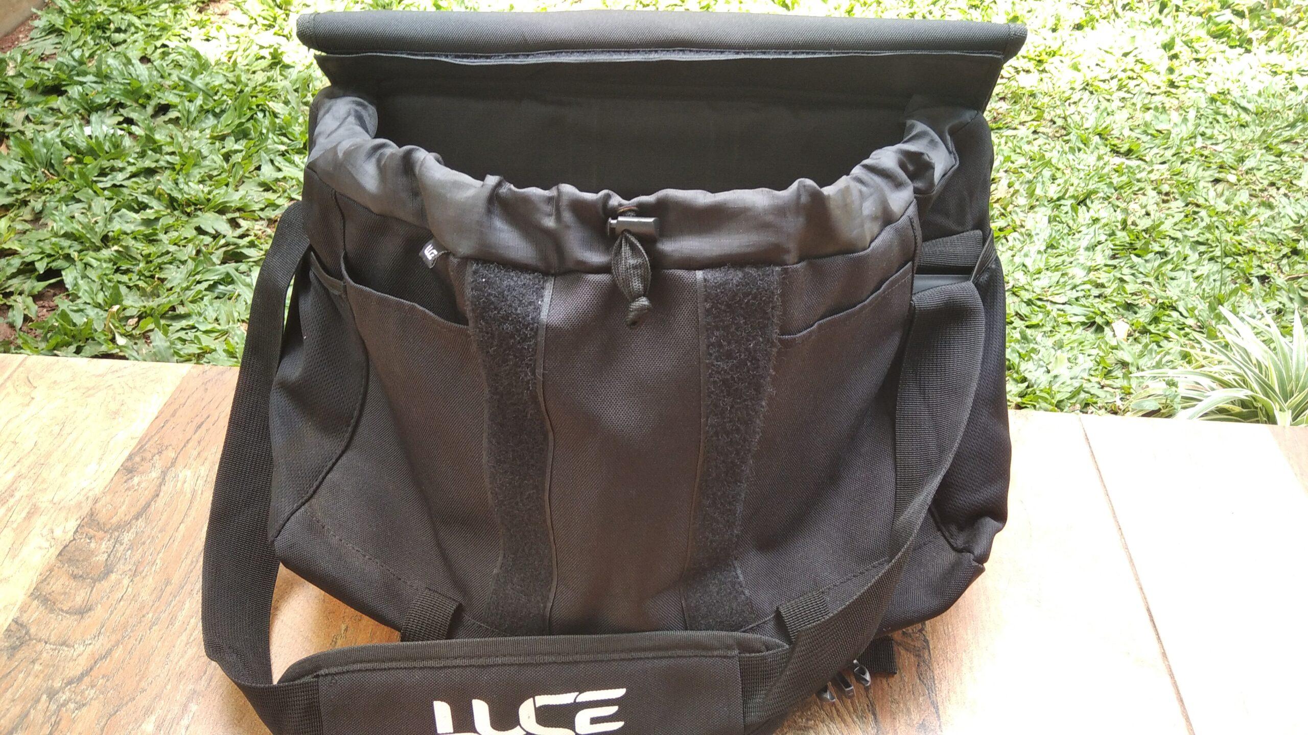Bagian depan tas
