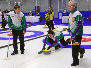 Leaders starting to emerge at Cdn. Seniors Ch'ships in Fredericton (Curling Canada)