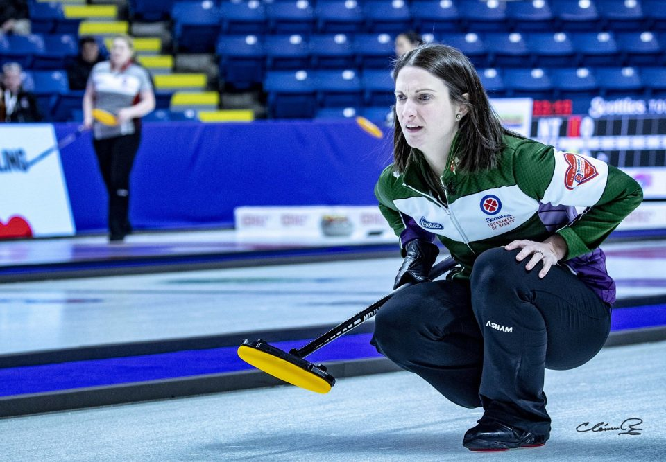 P.E.I.'s Suzanne Birt rink (5-1) advances to Scotties ch'ship round (Journal)