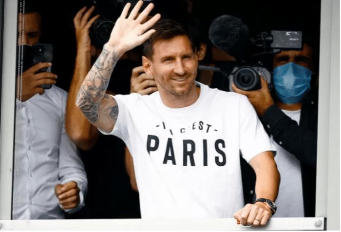 Lionel Messi Tiba di Paris
