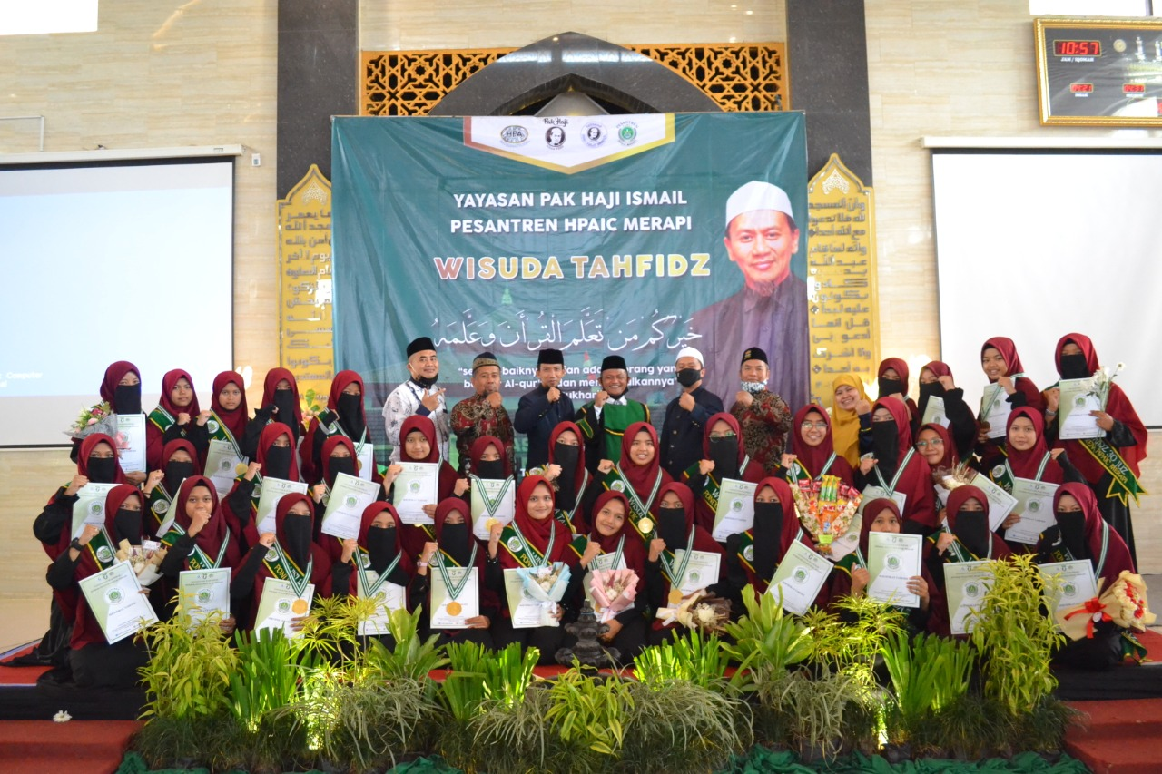 Wisuda Sughro Tahfidzul Quran Pesantren HPAIC Merapi
