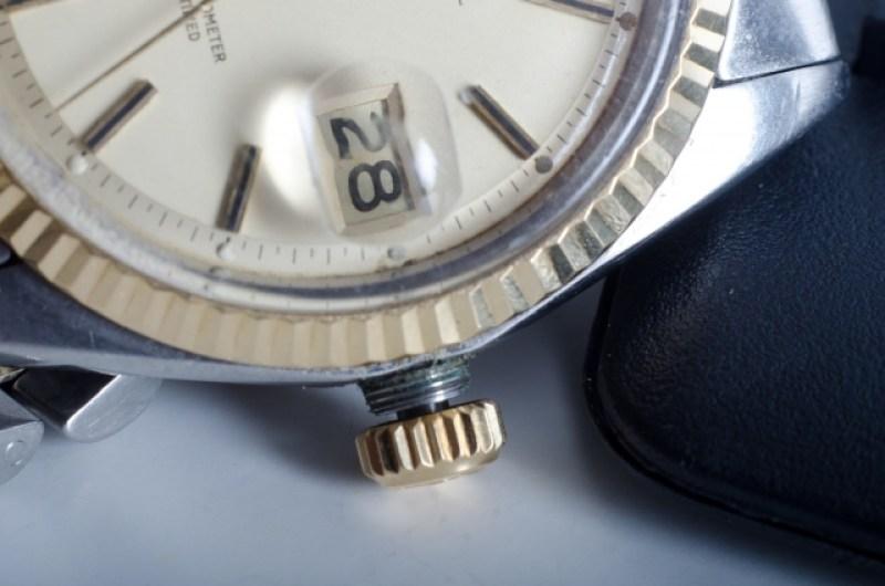 機械式腕時計のアップ