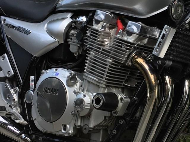 XJR1300の空冷エンジン部のアップ画像