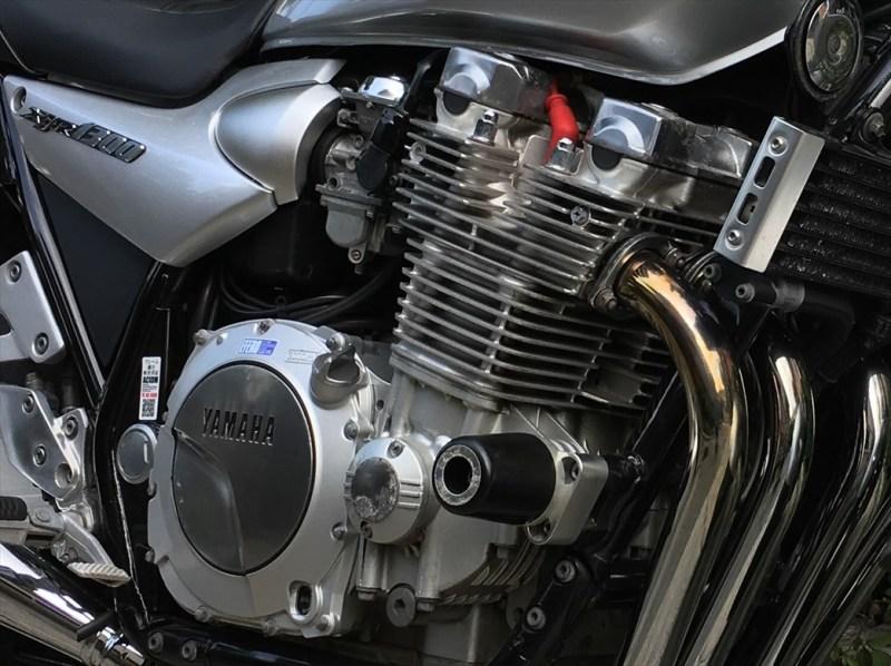 ネイキッドバイクのエンジン部分